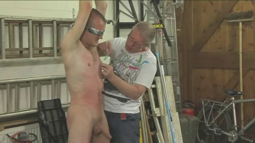Sexy gay hunk gets booked blindfolded and eaten up
