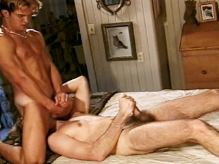 Richie Fine sucks his hot friend Ryan Powells cock before they both...