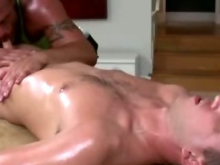 Full-grown gay masseur sucks fit straight guy's frying cock