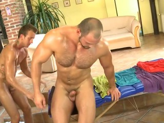 Bushy dude gets a lusty anal spooning wean away from masseur